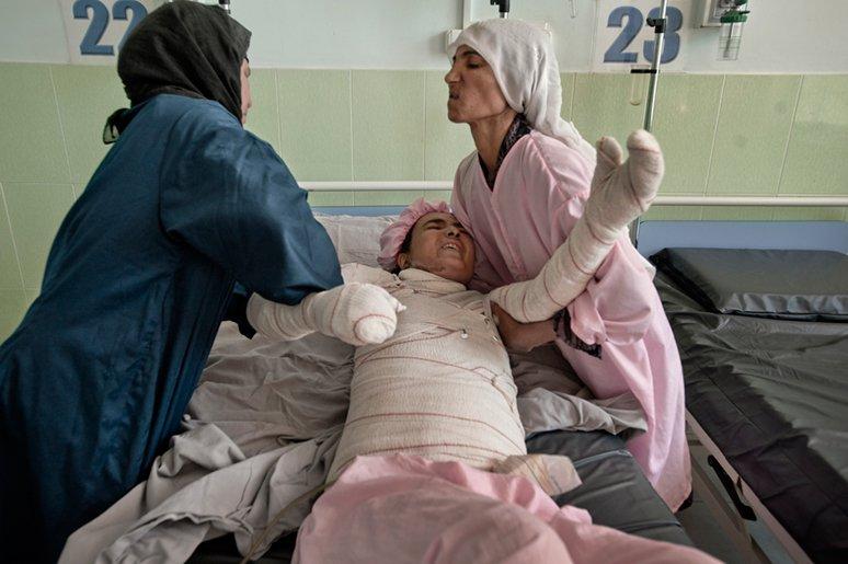 afganistanmujeres-fatima-quemada-a-lo-bonzo